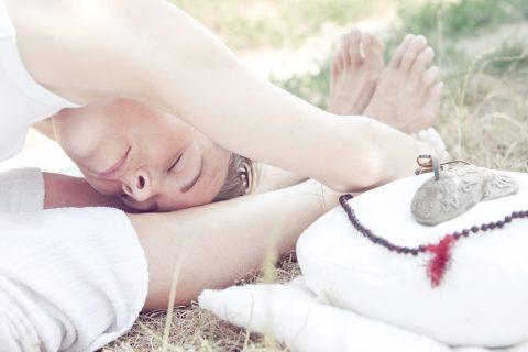 Frau_in_Yoga_Position
